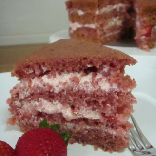 Real Fruits Strawberry Cake