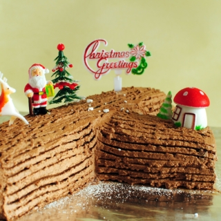 Merry Christmas – Chocolate Log Cake with Peanut Butter Buttercream Filling and Chocolate Meringue Buttercream