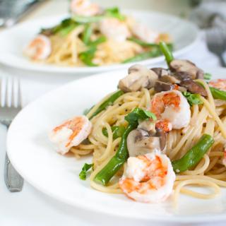 Creamy Mushrooms and Prawns Pasta
