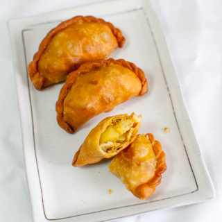 Chilli Tuna Curry Puffs + Nuffnang Lovin' Ayam Brand Event