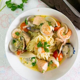 Spaghetti with Seafood Velouté (Gordon Ramsay)