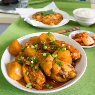 Dak Bokkeum Tang (닭볶음탕) – Spicy Braised Chicken
