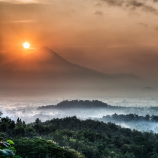 Sunrise Chasing Part 1 – Borobudur, East Java, Indonesia