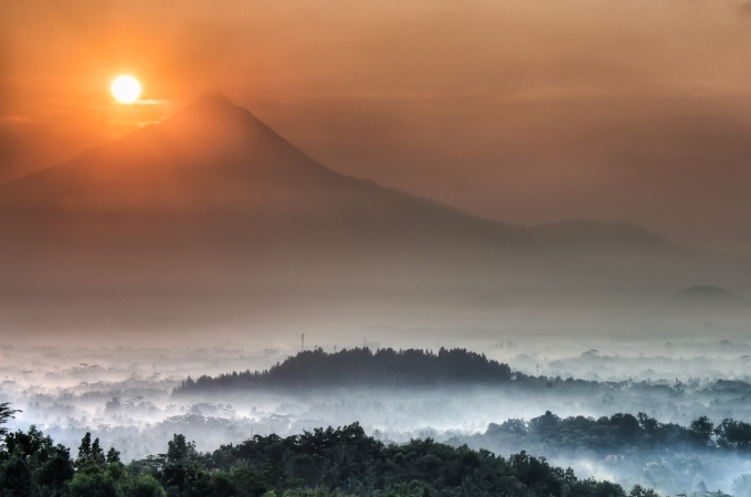 Sunrise Chasing Part 1 – Borobudur, East Java, Indonesia