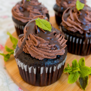 Fresh Mint Chocolate Buttercream Frosting