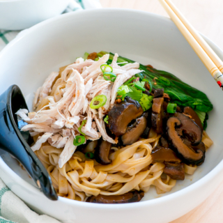 Dry-Tossed Shredded Chicken Hor Fun